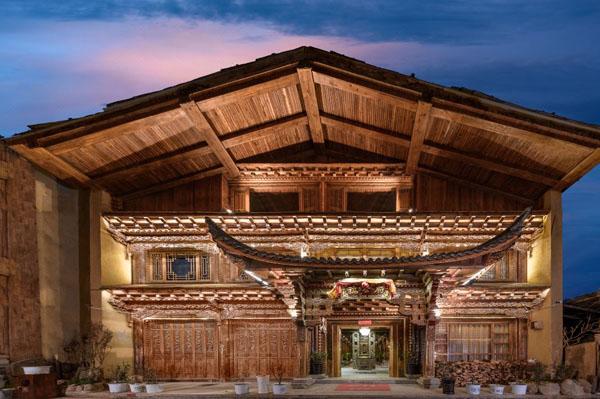 香格里拉百年历史黄把总宅稿公府藏文化酒店