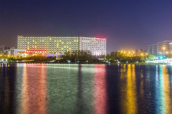 天津滨海圣光皇冠假日酒店